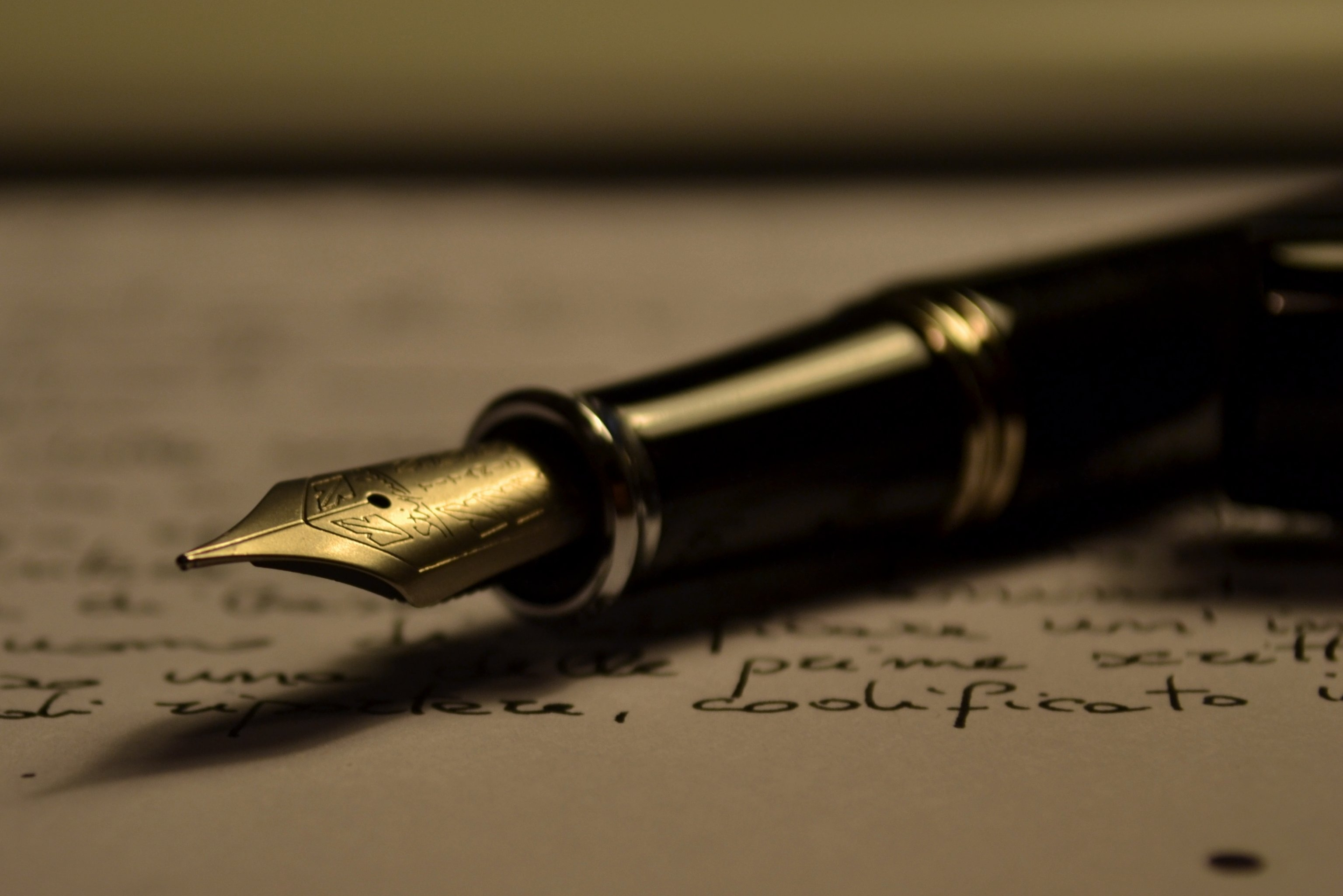 留学生Essay写作必备:Argument Essay写作常用句型