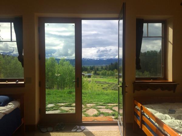 (airbnb可以看见雪山的民宿)